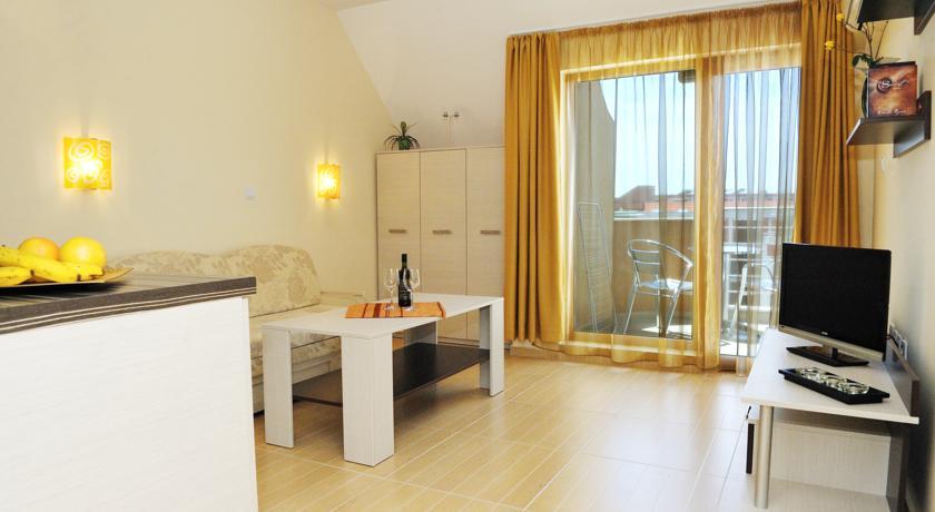 Хотел Ирис4