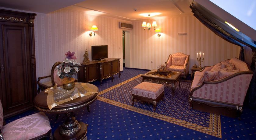 Хотел Чинар8