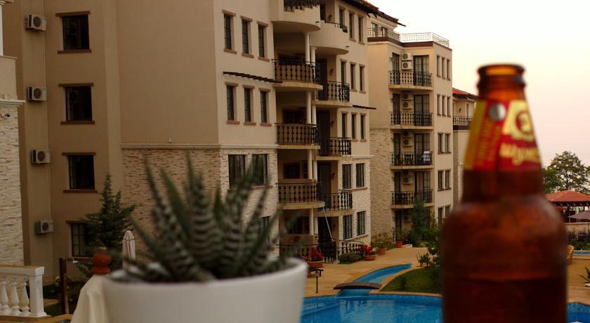 Частен Апартамент в Клиф резорт5
