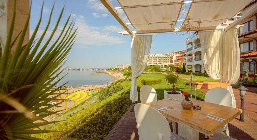 Casa Real Resort11