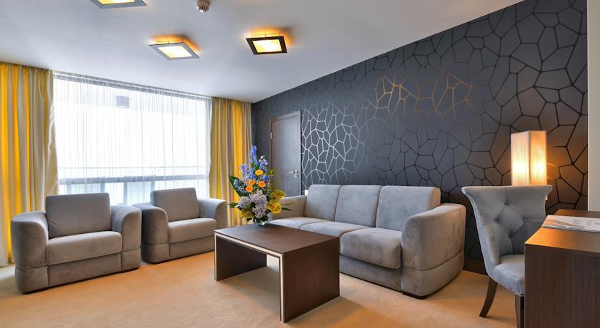 International Hotel Casino & Tower Suites10