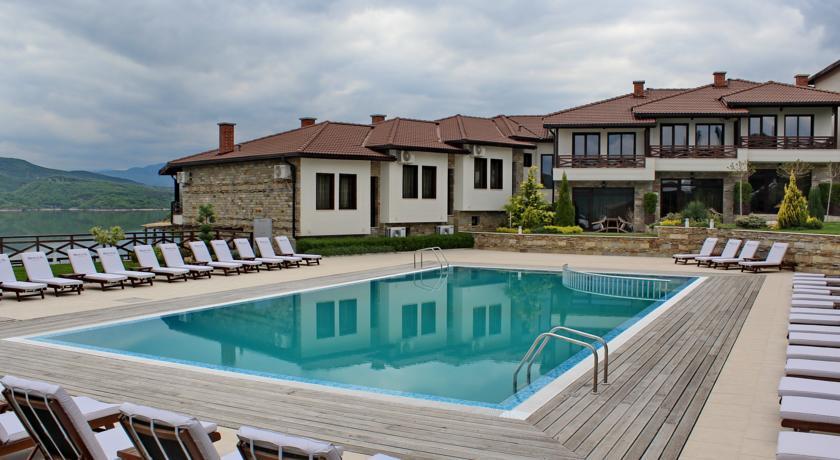 Rocca Resort1