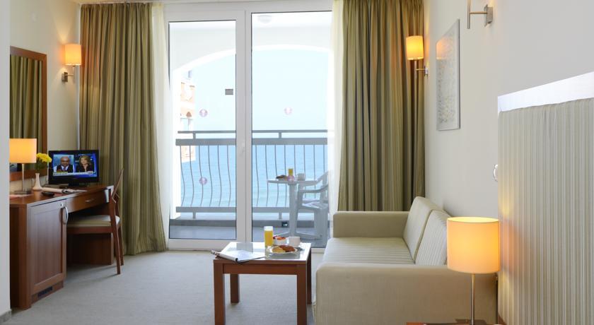 Sol Luna Bay Resort & Aquapark8
